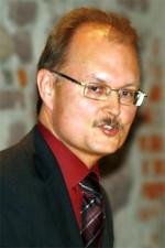 Dr. Axel Isak